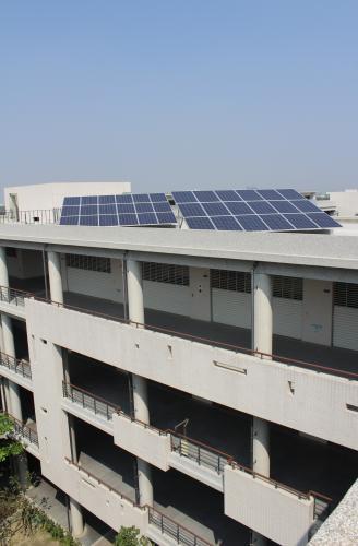 4高中校區太陽光電系統1.JPG